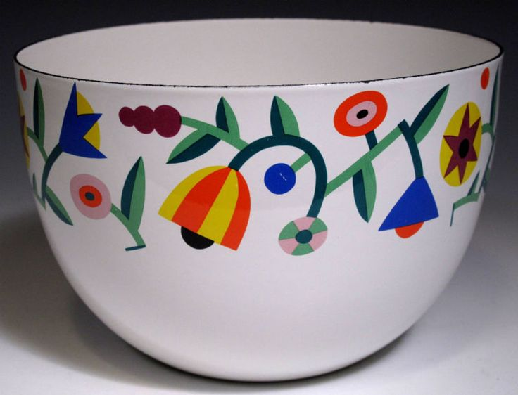 Arabia Finel Bowl - love, love, love. I have an all red one and use it all the…