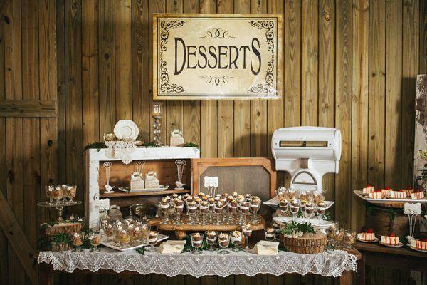 wedding dessert tables - photo by Rad Red Creative http://ruffledblog.com/southern-charm-florida-wedding