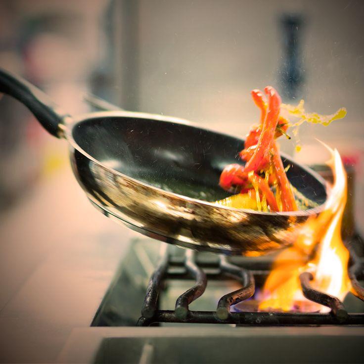 Te esperamos en #ElSantisimo para que seas testigo de que en la cocina también suceden milagros. *Reserva sugerida: 660 1531