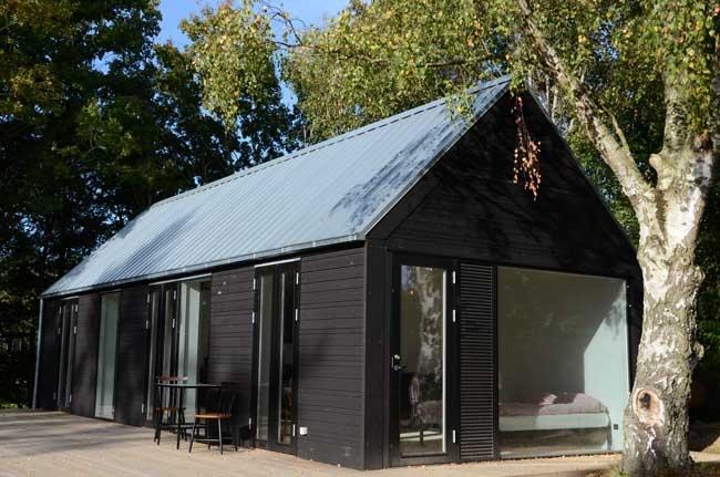 Mini house modular summerhouse by Mette Lange