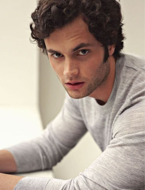 "Penn Badgley como ""David Baxter"""