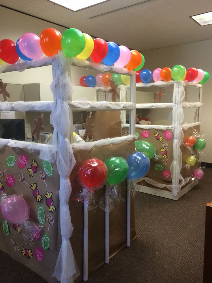 Gingerbread House (Cubicle!) @aggie07mlm if you were still at our Dilley office, we could have done this :)