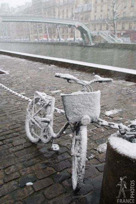 One freezing day ~ Canal St Martin ~ Paris