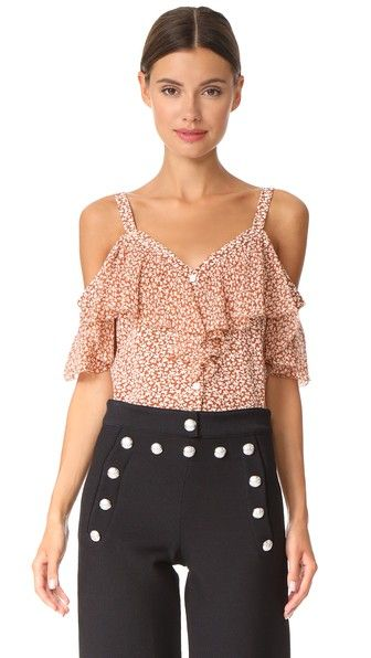 ¡Consigue este tipo de top hombros descubiertos de VERONICA BEARD ahora! Haz clic para ver los detalles. Envíos gratis a toda España. Veronica Beard Gavin Off the Shoulder Top: An open-shoulder Veronica Beard blouse in a floral print. The short flutter sleeves have dainty picot edges. Buttoned placket. Fabric: Silk crepe. 100% silk. Dry clean. Imported, China. Measurements Length: 26in / 66cm, from shoulder Measurements from size 4 (top hombros descubiertos, sin hombros, off shoulders…
