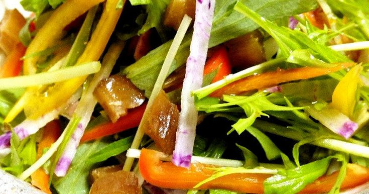 カラフルな野菜に干し芋を入れてちょっと変わったサラダに!柚子胡椒の風味も効いて野菜が進みます〜