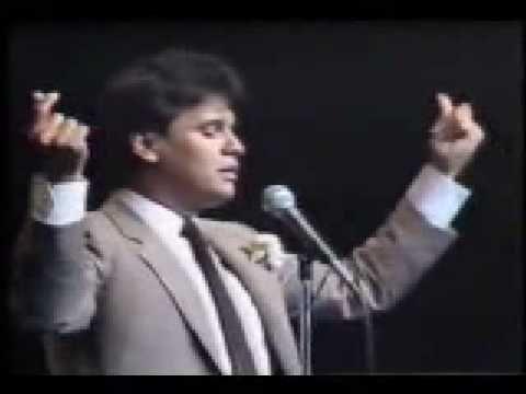 Vídeo oficial de Juan Gabriel de su tema Amor Eterno. Haz clic aquí para…