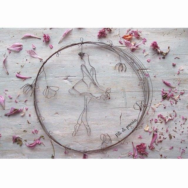 """""""Mi piace"""": 158, commenti: 23 - Daniela Corti•Wire & Textile (@filidipoesia) su Instagram: """"La mia Primavera non poteva andare in mani migliori  My Spring in her hands ... Natural style"""""""