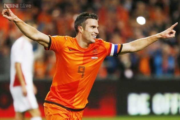 Van Persie to play for Netherlands against Ecuador - IBNLive