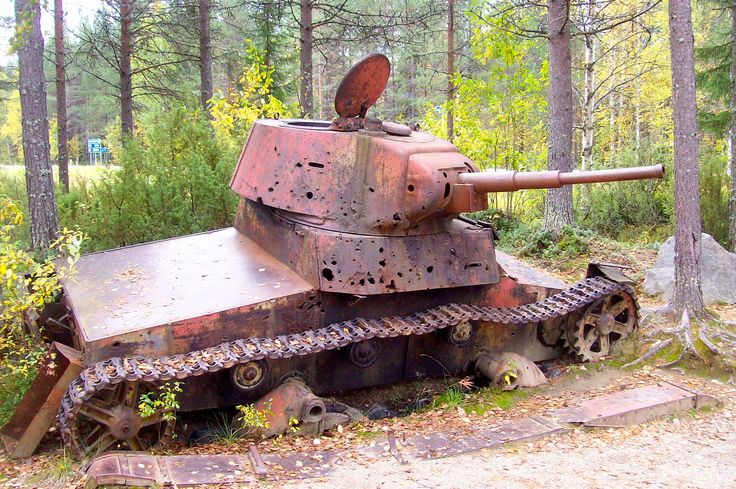 Suomen talvisota / Finland's Winter War 30.11.1939-13.3.1940. Picture ( by @raitapaita from autumn 2011) shows abandoned tank on the Raate Road, Kainuu, Finland.