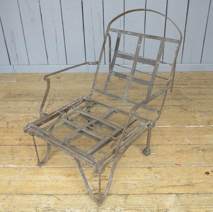 This is a very unusual item we have here at UKAA, a Victorian Campaign Civil War Folding Bed. This is adjustable and could even make a lovely sun lounger with a padded cushion to fit.