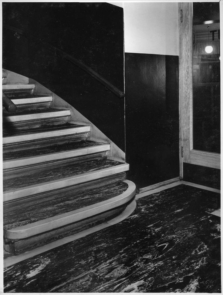 Interiør, trappeoppgang, Oslo Trygdekasse, 1930-40-tallet, gummi trappebellegg, produsert av Mjøndalen Gummivarefabrikk
