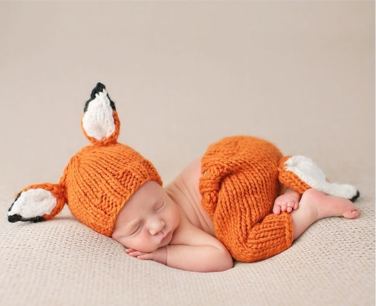 This adorable hat-and-pants set knit from soft, cozy acrylic and decked out with fox ears and tail is so perfect for newborn photos!