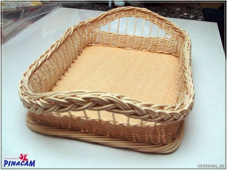 Bandeja de mimbre para la ropa de plancha.#manualidades #pinacam #medula #mimbre                                                         www.manualidadespinacam.com