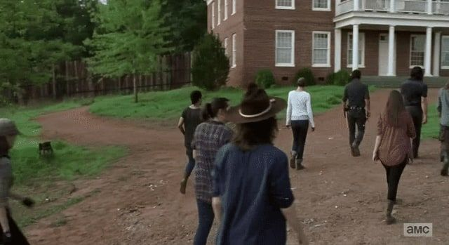 This error in The Walking Dead mid-season premiere will make you laugh