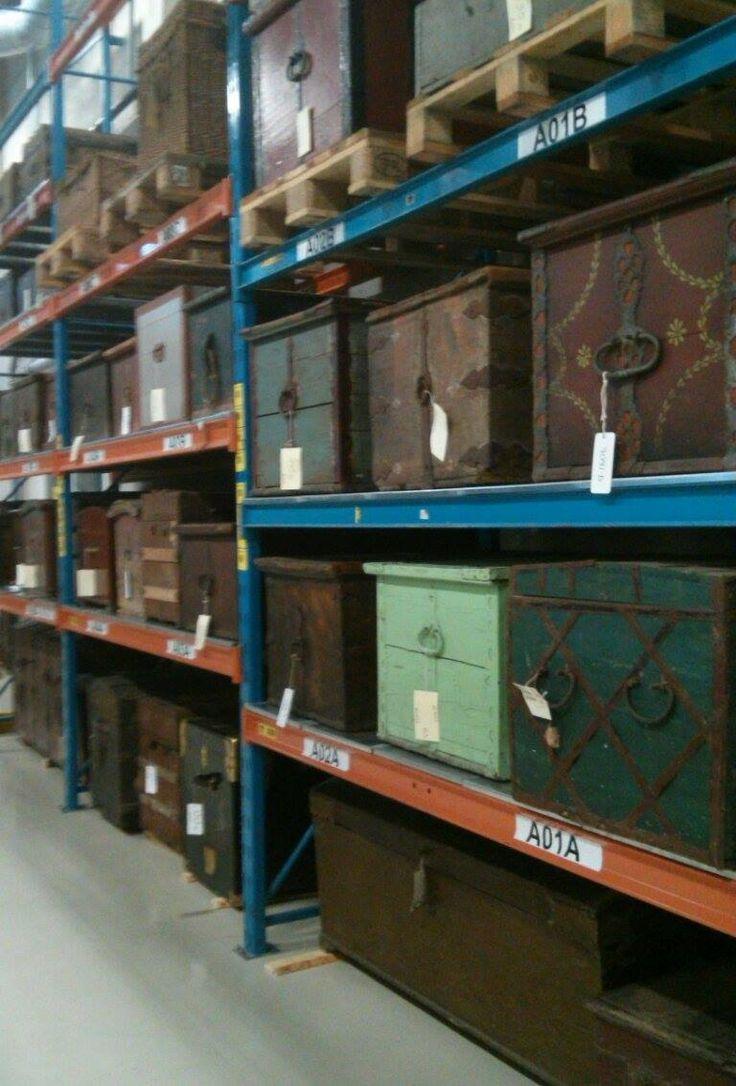 (Skatt?)kistor i mängder! #EKTAMuseumcenter