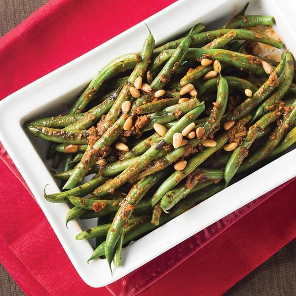 Easy Green Bean Casserole #holidaysides