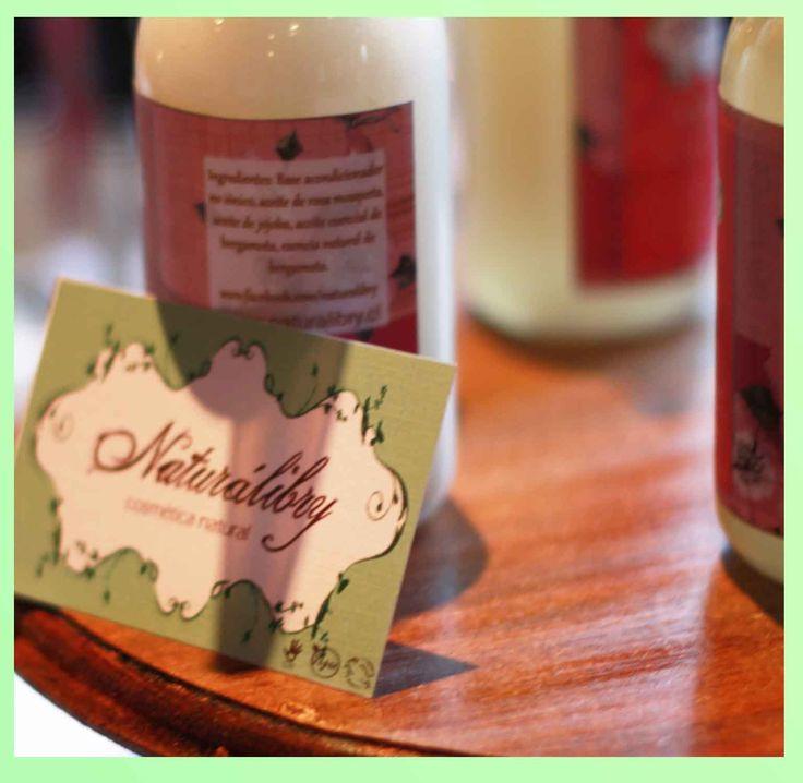 Productos de higiene y cosmética sin testeo en animales y con ingredientes naturales ¡es posible! Las niñas de Naturálibry presentaron ricas cremas, balsamos labiales, shampoo y jabones artesanales.