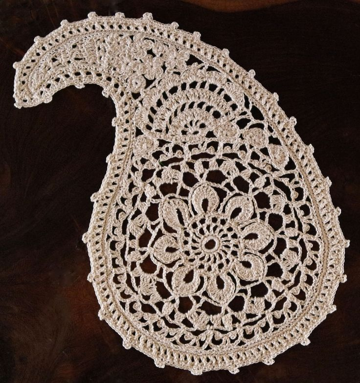 Paisley Doily - free crochet pattern by Ann Reillet at Crochet Thread.