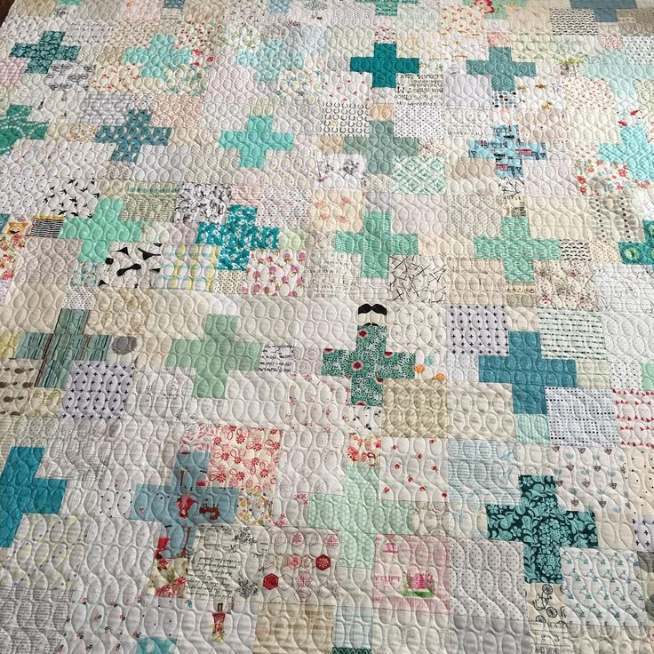 Line Art Quilt Pattern Holly Hickman : Best ideas about plus quilt on pinterest easy