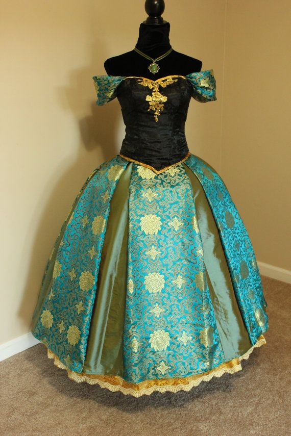 Frozen Coronation Princess Anna Adult Cosplay por AddictedToMagic