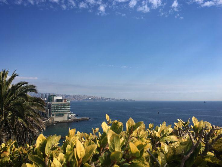 Vista hacia Valparaíso desde Palacio Presidencial en Cerro Castillo #Valparaíso #ViñadelMar #CerroCastillo #Chile
