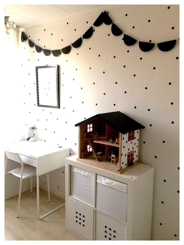 Meer dan 1000 idee n over zwarte kamers op pinterest zwarte slaapkamers zwart kamer decor en for Kamer decoratie meisje