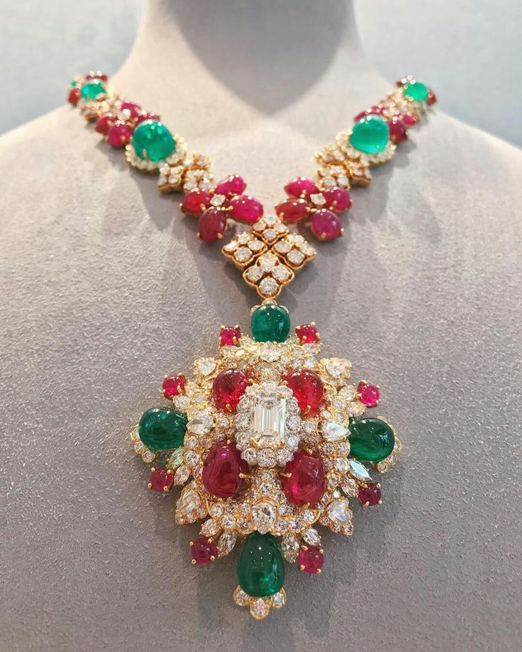 @davidwebbjewels A majestic ruby, emerald, and diamond necklace, with a pendant that may be worn as a brooch. Available in Beverly Hills. ✨❤️✨