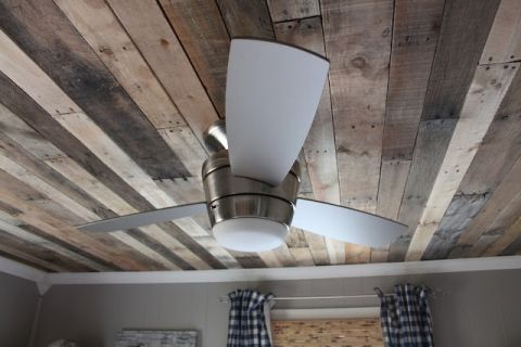 pallet wood ceiling on Remodelaholic