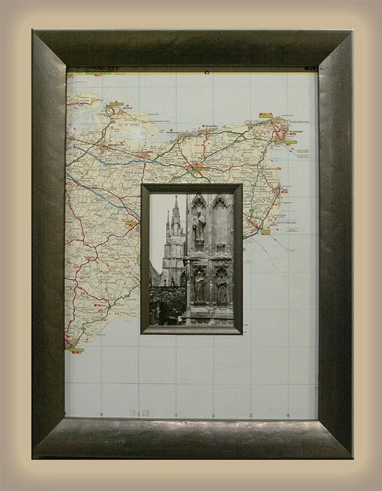 Great Idea to frame a home town pic in a map of the town