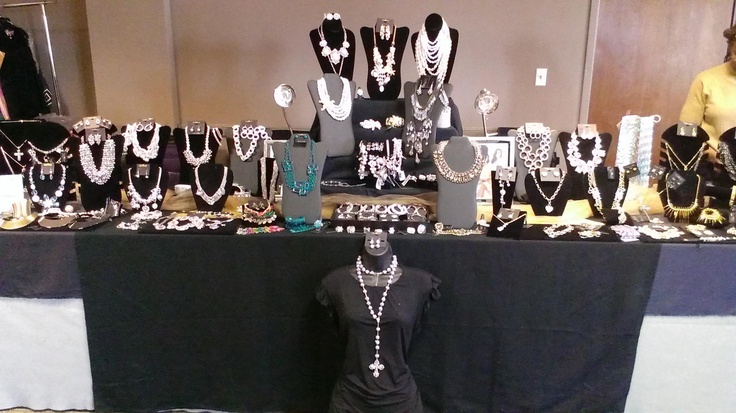 2013 Jewelry Showcases by TLFJ Partner