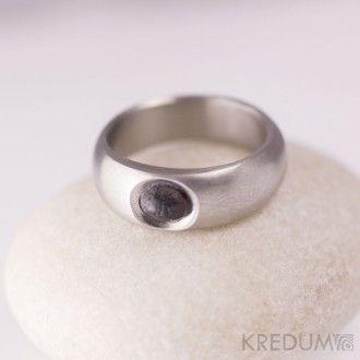 Kovaný nerezový prsten a kámen - Eli stone steel