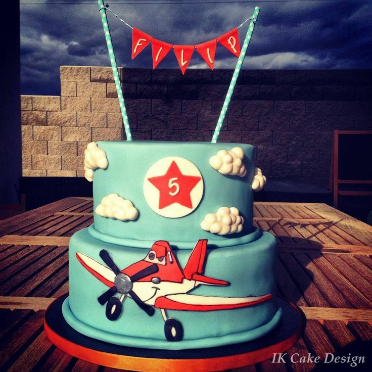 Children's Birthday Cakes - dusty plane cake