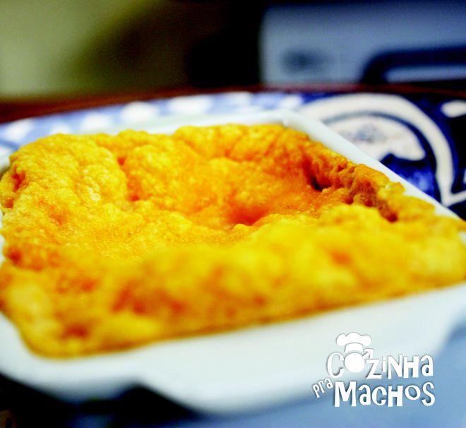 Suflê de Cenoura e queijo parmesão   http://cozinhapramachos.wordpress.com/2013/07/01/sufle-de-cenoura-e-queijo-parmesao/  #culinaria #receita #cozinhapramachos