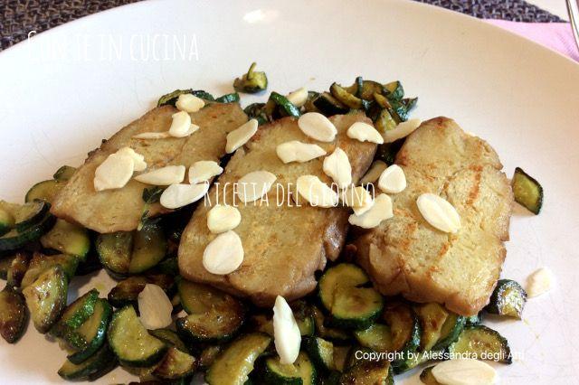 Con Te in Cucina: TAGLIATA VEGANA DI SEITAN, ZUCCHINE E MANDORLE