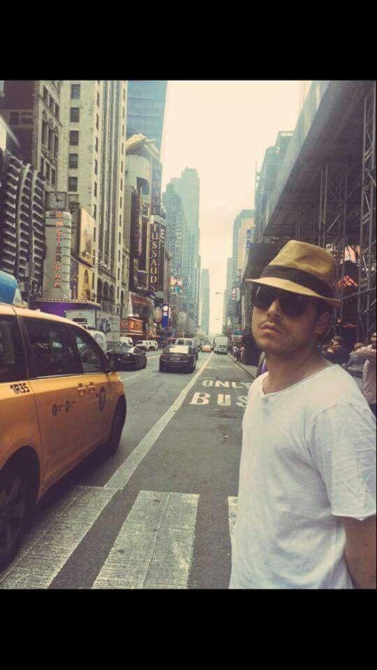 kev Adams a New York City pour le voilà voilà Summer tour