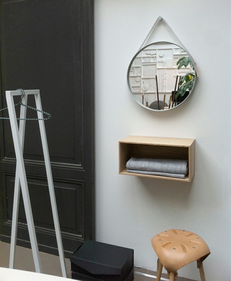 Loop Stand Hall & Strap Mirror