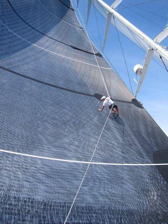 Wow thats a big sail...