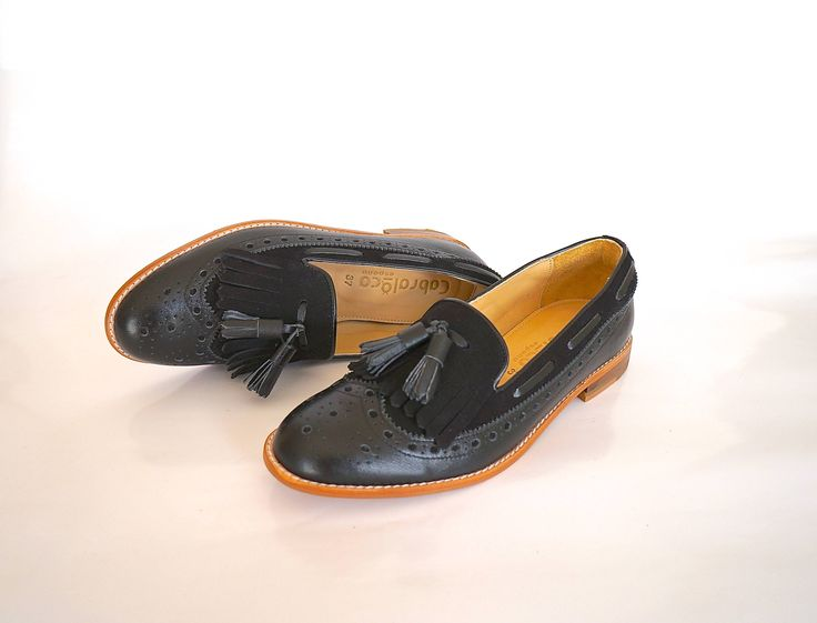 Hand-Made Calf Leather and Buff Loafers. WW-22