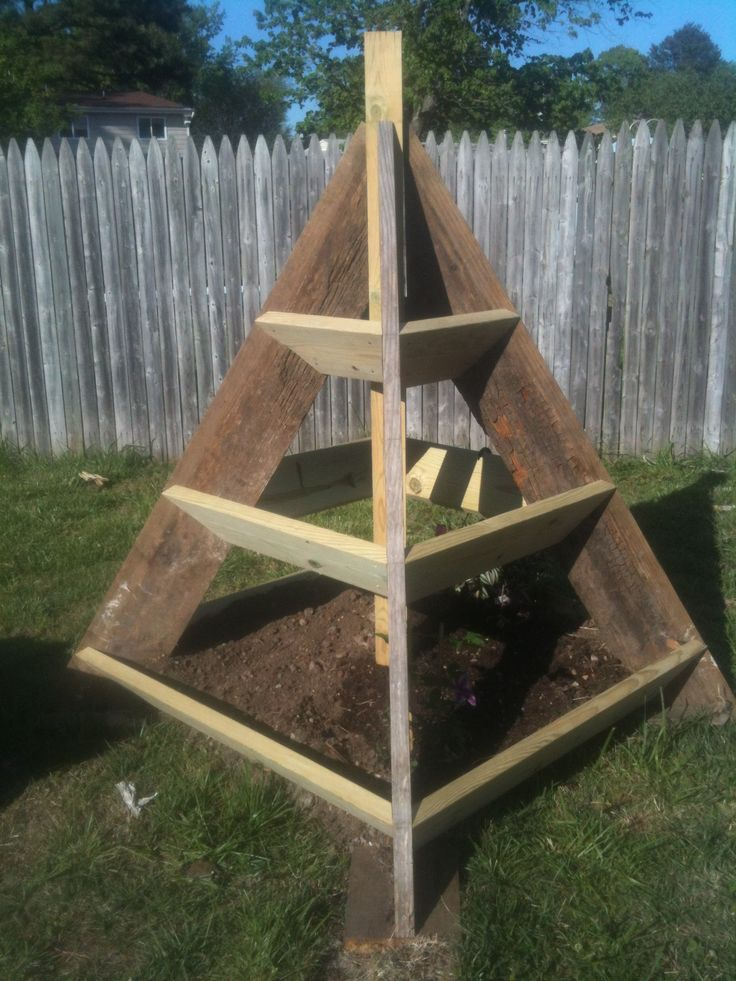 Pyramid Planter Farm Pinterest Planters