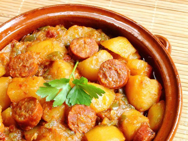 chorizo, pomme de terre, oignon