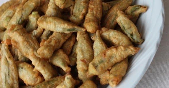 Kajunlu Bamya Kızartması     Malzemeler;   Yarım kg. büyük bamya   2 adet yumurta   1 su bardağı süt   3/4 su bardağı un   1 tatlı kaşı...