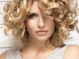Image result for capelli corti ricci biondi