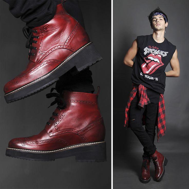 Per essere all'altezza in ogni occasione, prova gli stivali con rialzo interno Guidomaggi. Le uniche scarpe rialzate che ti regalano fino a 12 cm in più!  http://www.guidomaggi.it/collezione-lusso/stivali-da-12cm/bordeaux-detail#.U6rfLJR_uSo
