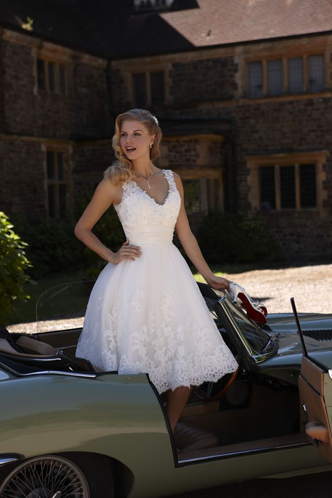 short retro wedding dresses uk%0A    of the best   sstyle wedding dresses for