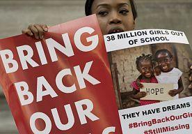 28-Apr-2015 22:24 - NIGERIA: 200 MEISJES EN 93 VROUWEN GERED UIT WOUD. Het Nigeriaanse leger zegt dat het vandaag 200 meisjes en 93 vrouwen uit het woud van Sambisa heeft gered. Het is nog niet duidelijk of het om de…...