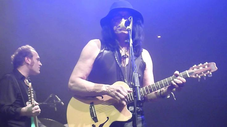 Sixto Rodriguez Like a Rolling Stone    https://youtu.be/RF79m9eAg5k?list=RDRF79m9eAg5k