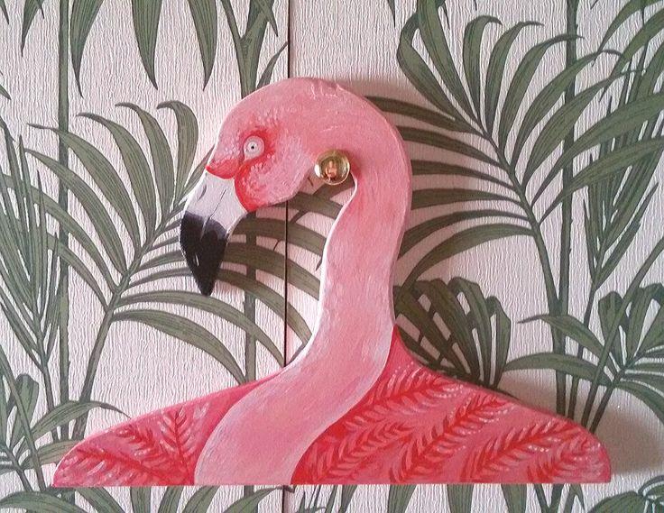 Appendiabiti flamingo.