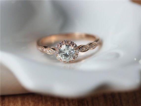 5mm Round Moissanite Ring/14K Rose Gold Moissanite Engagement Ring/Halo Engagement Ring Moissanite Ring/Anniversary/Moissanite Wedding Ring by ByLaris