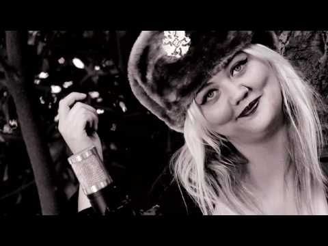 "Elle King sings ""I Told You I was Mean"" - Legends of La La    Absolutely brilliant- amazing voice"