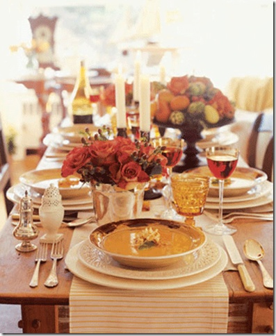 With Thanksgiving around the corner, many of us are already thinking about how we will set the table to celebrate. Formal or casual, with kids or without, there are many options when it comes to decorating your Thanksgiving table.